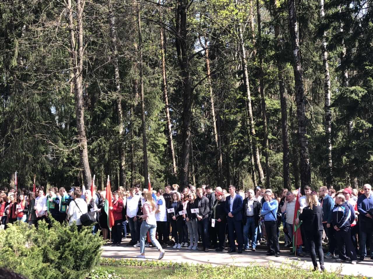 Митинг-реквием, посвященный годовщине чернобыльской трагедии, состоялся у любужского мемориала «Жертвам Чернобыля».
