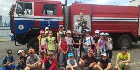 18 июня воспитанники  оздоровительного лагеря «Радуга» посетили пожарную аварийно-спасательную часть №3 МГОЧС
